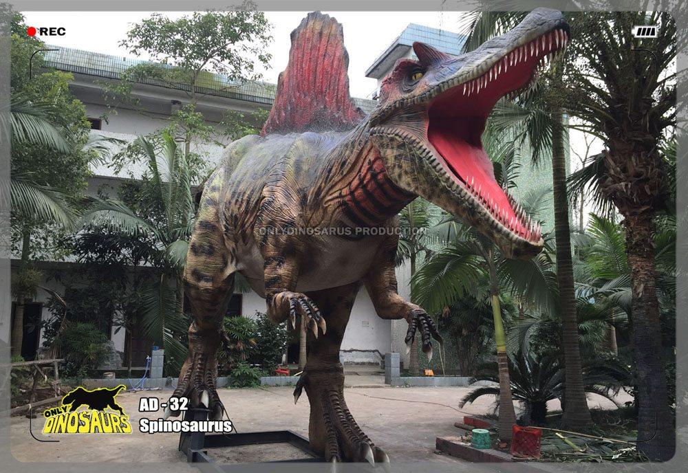 Large Animatronic Spinosaurus