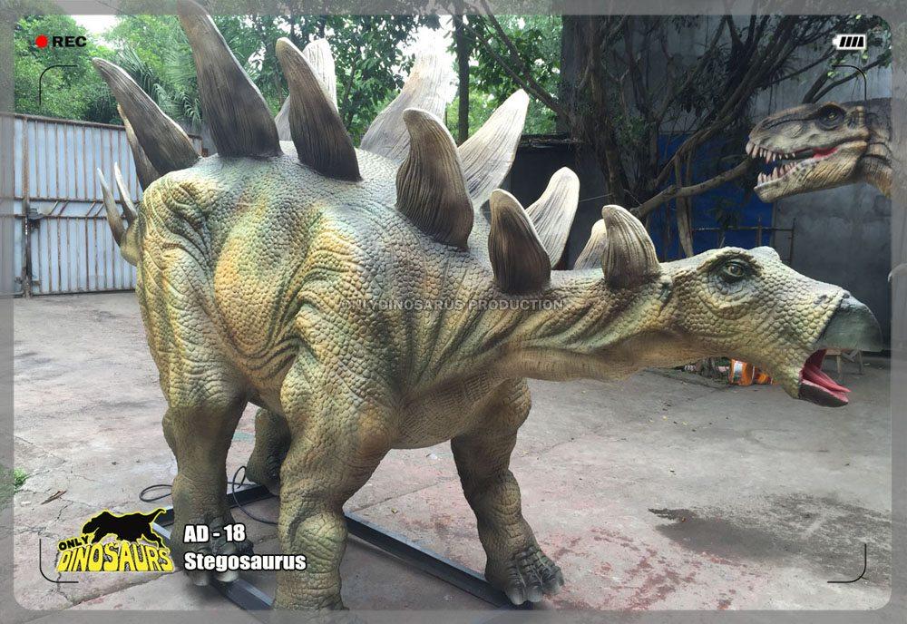 Animatronic Stegosaurus Dinosaur