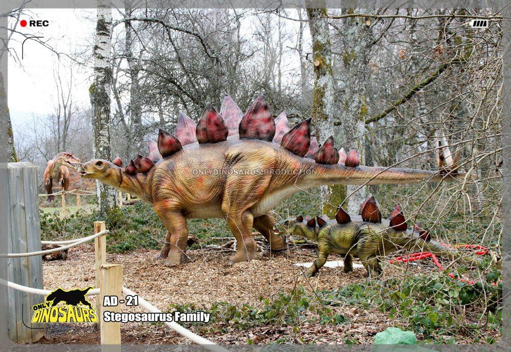 Animatronic Stegosaurus Family
