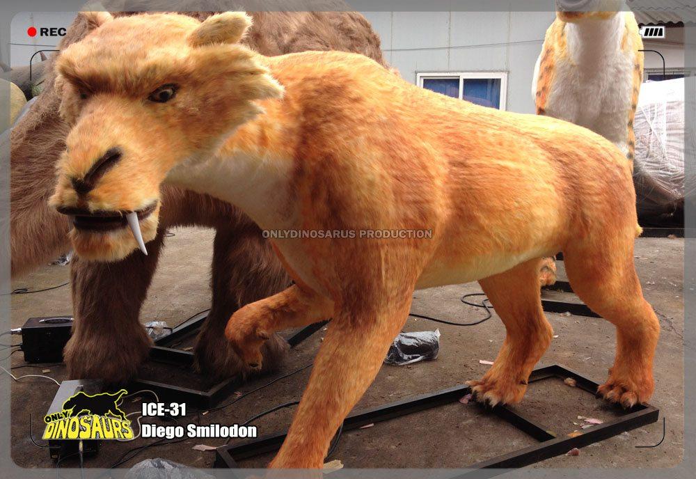 Animatronic Diego Smilodon