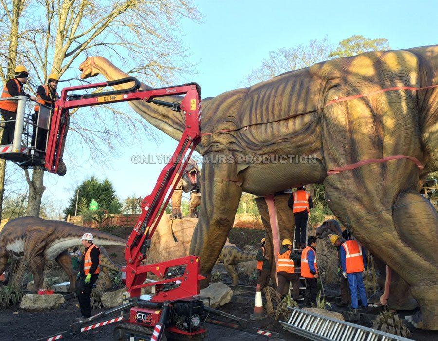 Animatronic Argentinosaurus Installation