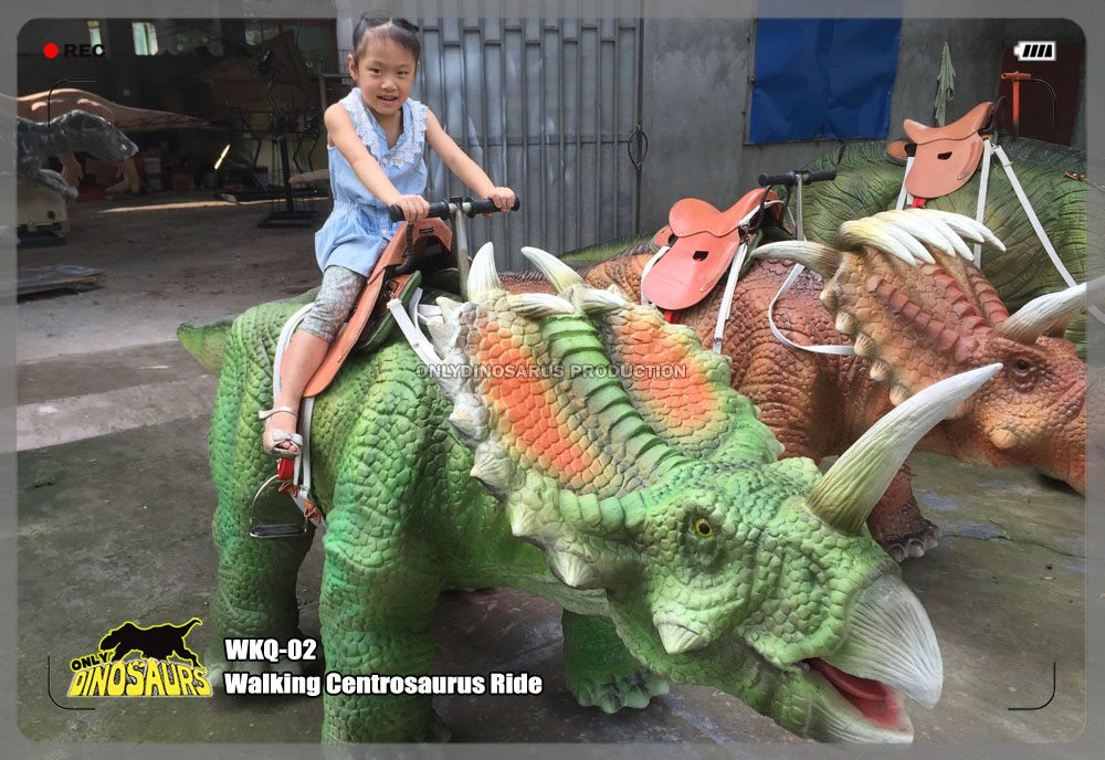 Walking Centrosaurus Ride