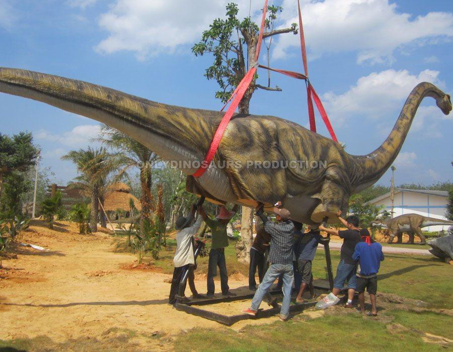 Animatronic Omeisaurus Installation