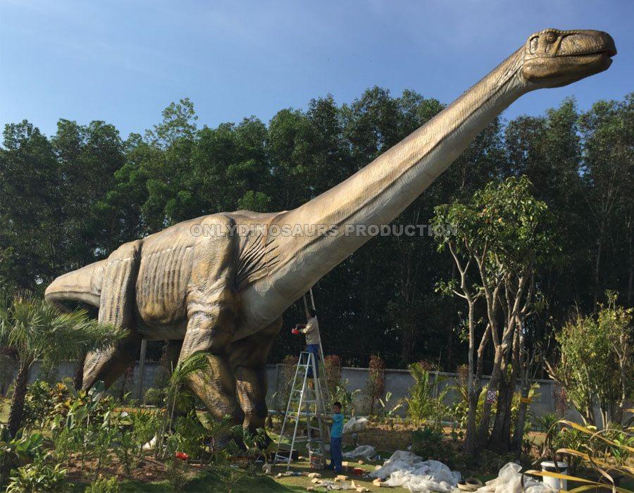 Animatronic Ruyangosaurus Installation