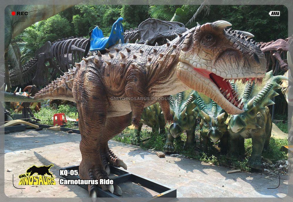 Animatronic Carnotaurus Ride