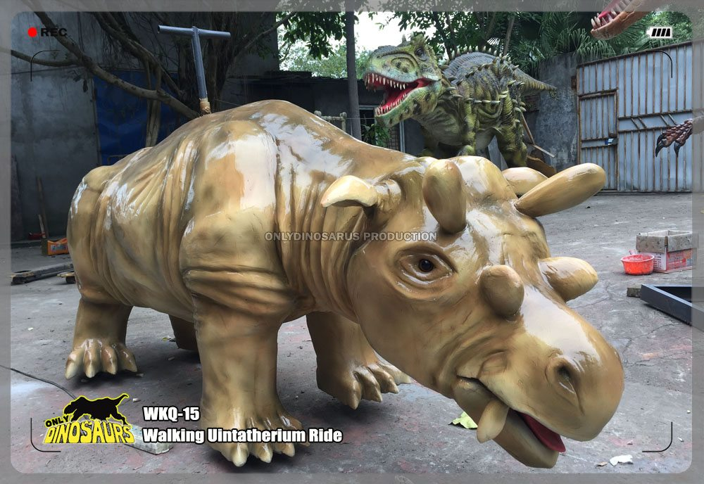 Walking Uintatherium Ride