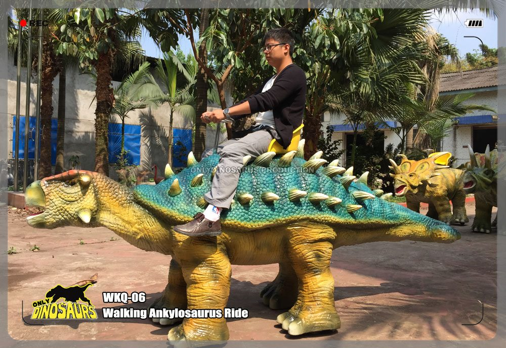 Walking Ankylosaurus Ride