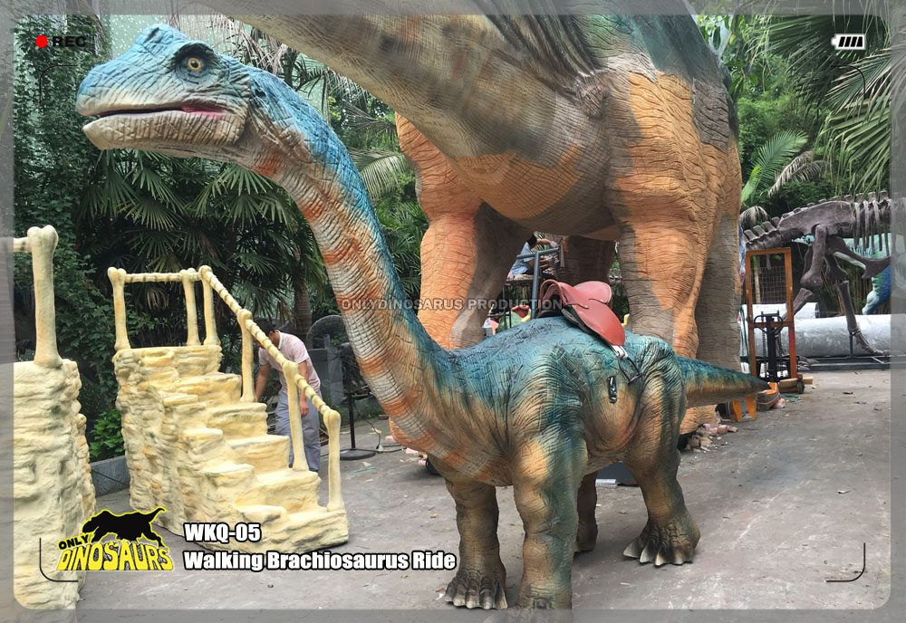 Walking Brachiosaurus Ride