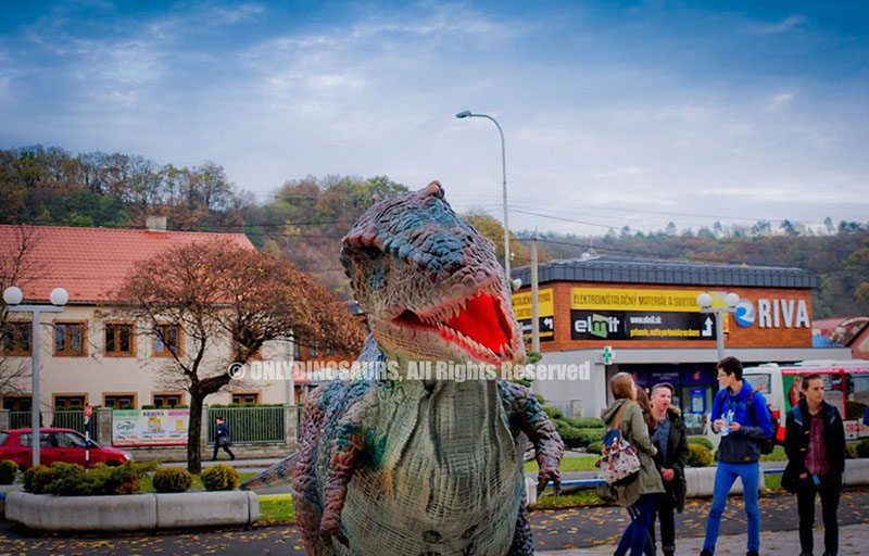 Hire-T-Rex-Costumes-in-Slovakia