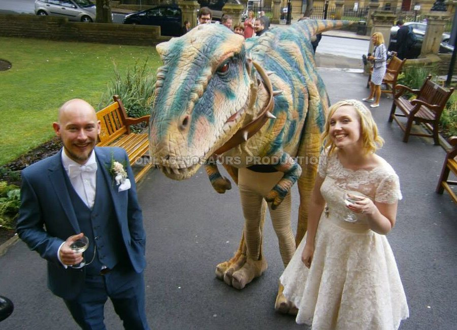 T-Rex Love Wedding