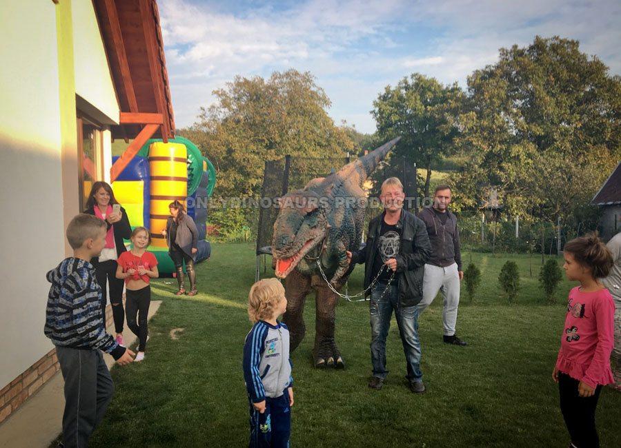 Tyrannosaurus Rex Like Playing with Kids