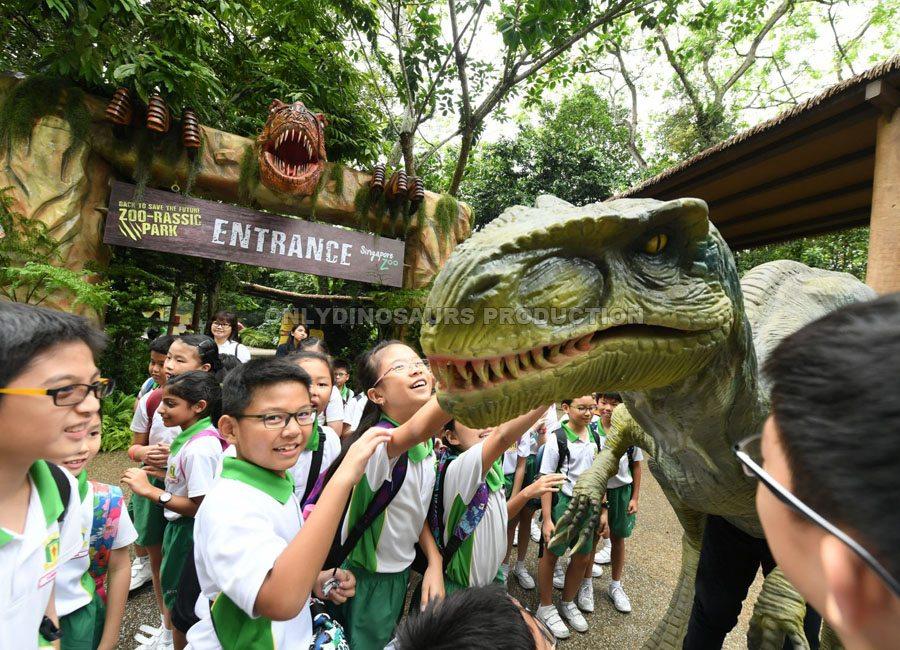 VelociRaptor Costume in Zoo-Rassic Park